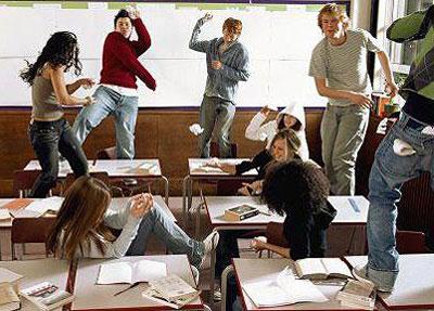 Adolescenta si scoala